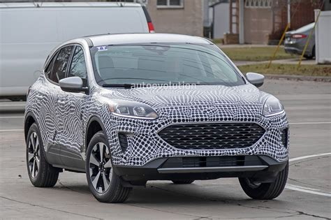 Ford Edge To Be Replaced By 7-Seat Kuga In Europe