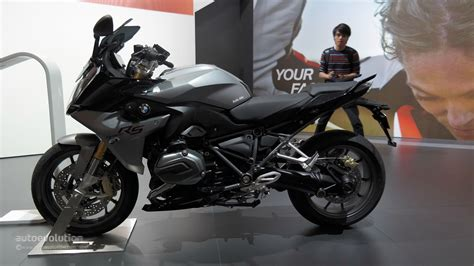 2015 BMW R1200RS Exudes Comfort and New Power at EICMA
